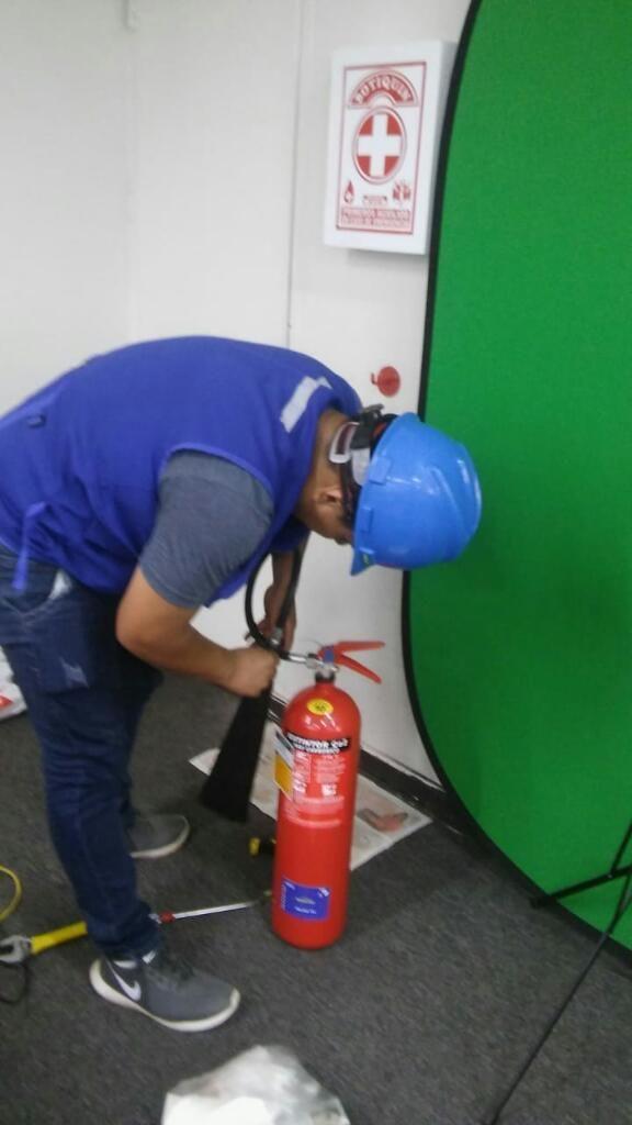 Instalación de Extintores.