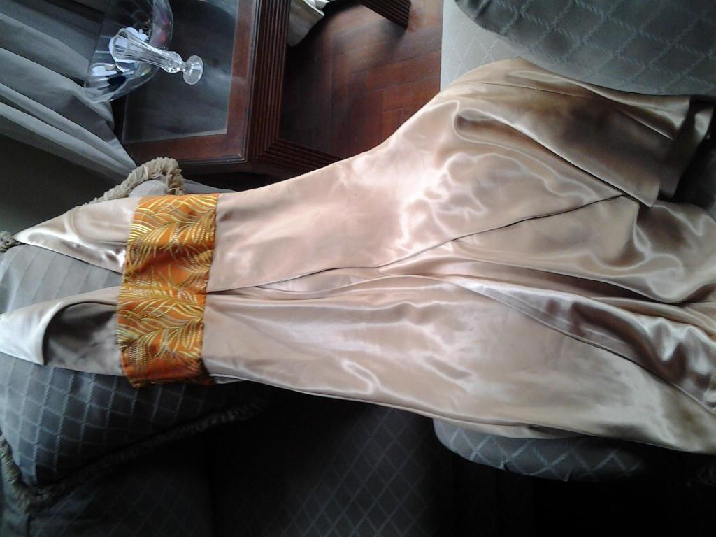 Vestido Dorado Bordado Lentejuelas Talla S Nuevo Posot Class