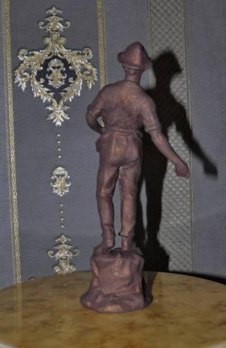 Antigua Escultura De Sembrador