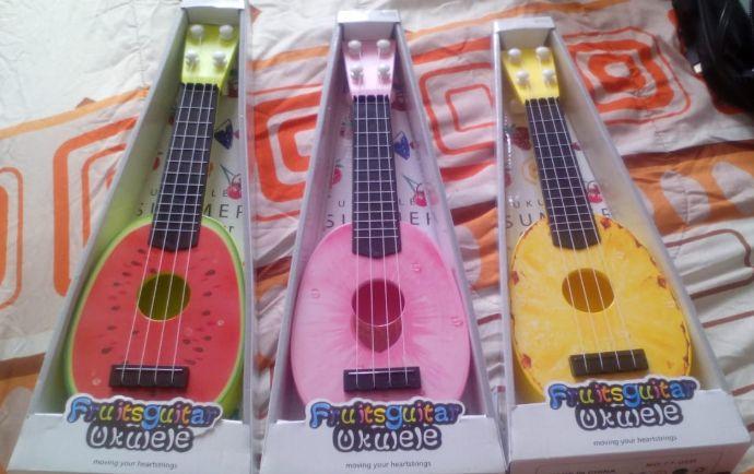mini guitarra UKELELE DE FRUTAS para niños!!!