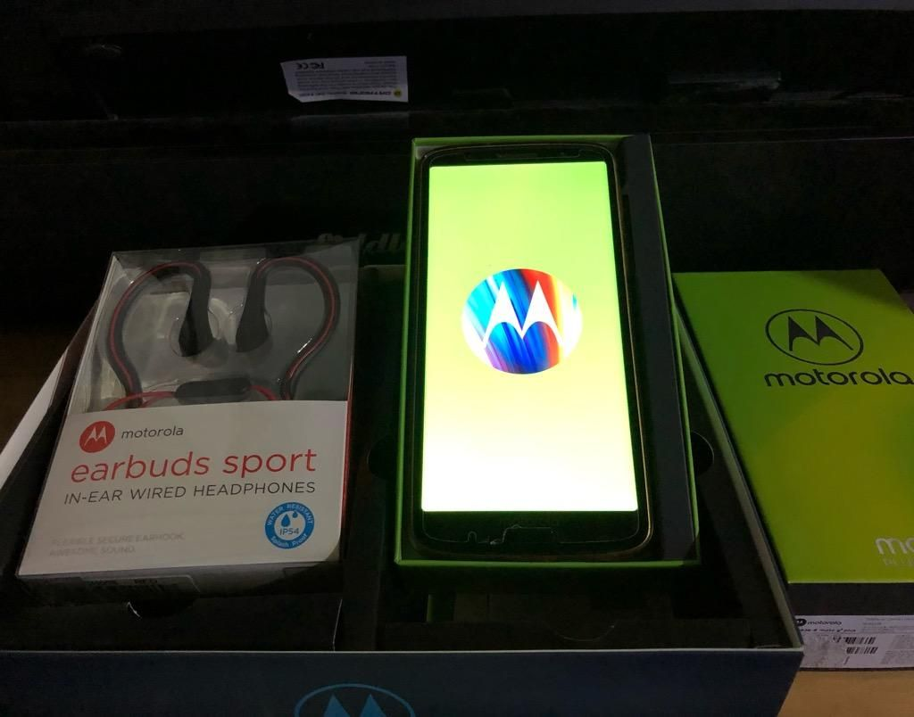 Moto G6 Plus 32Gb Audifonos Sd 8Gb