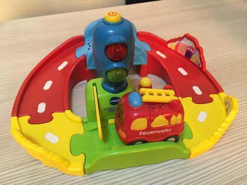 Pista De Juguete Para Niños Pequeños Bomberos