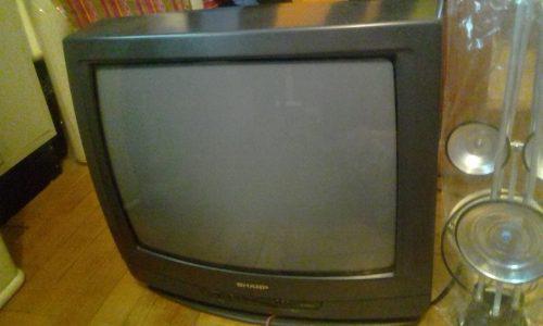 Televisor Marca Sharp De 20 Pulgadas En Buen Estado.