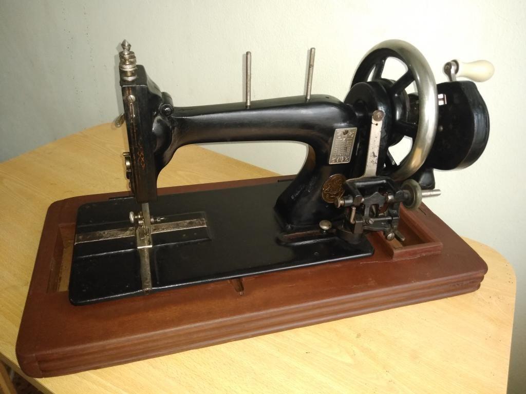 Máquina de Coser Alemana Schutz Mark