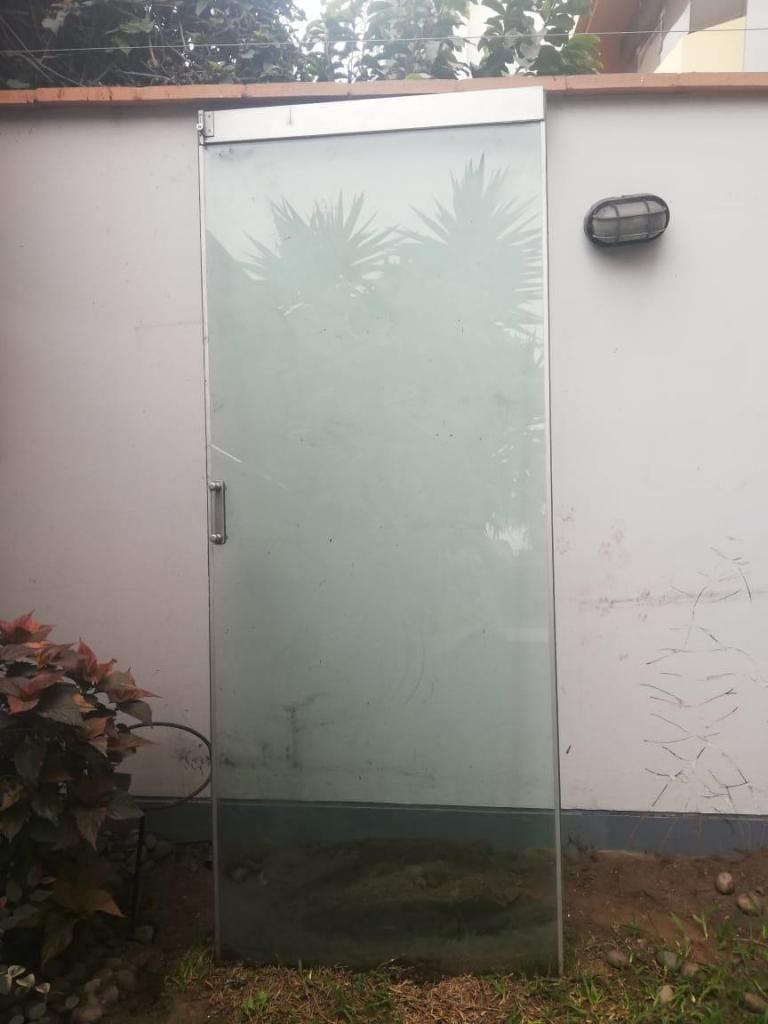 Mampara o puerta de vidrio 10mm