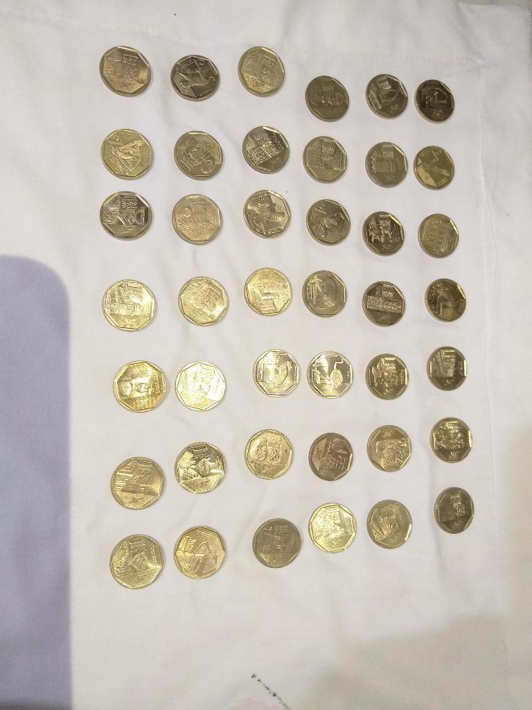 Vendo Mi Colección de 43 Monedas