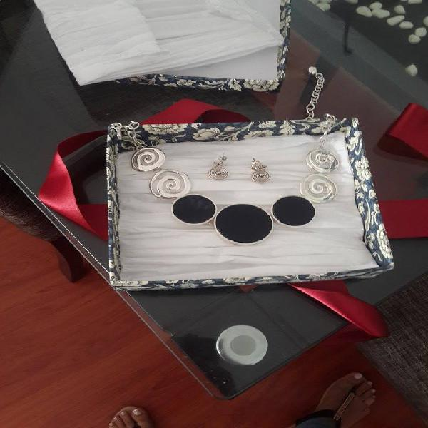 Vendo Joya de Plata 950 ILARIA juego completo de Collar y