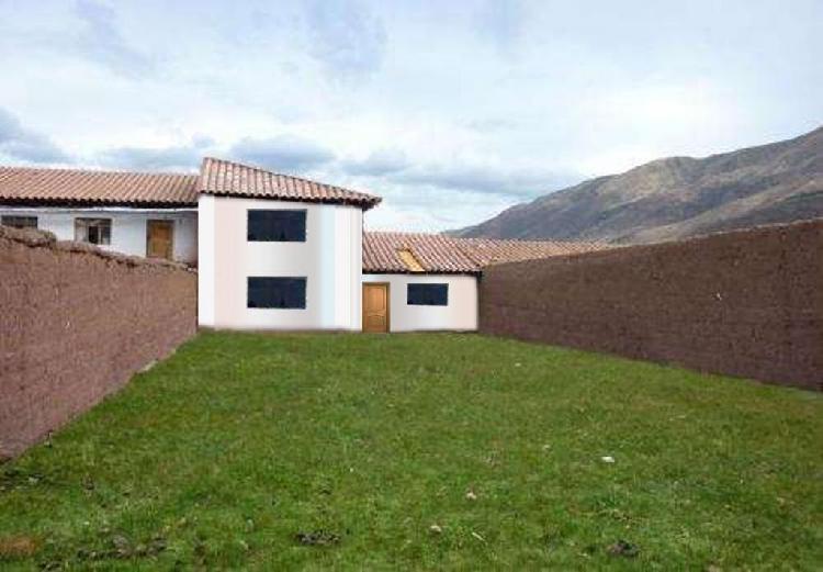 Vendo Terreno con Casa de Dos Pisos en Huasao