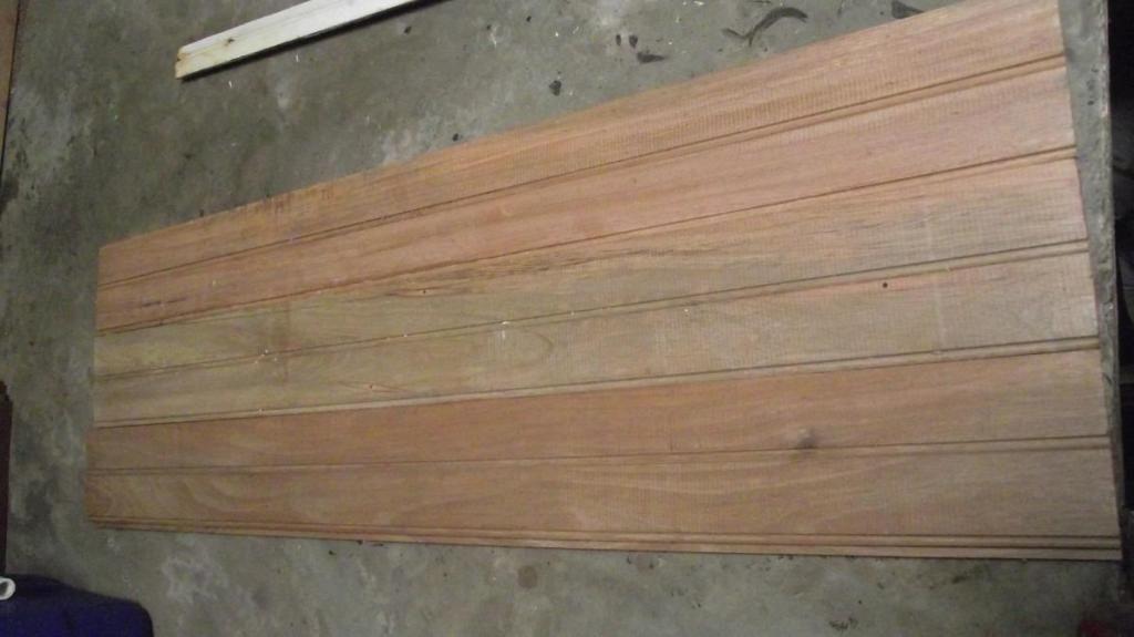 12 maderas contrachapadas, al precio de 100 soles