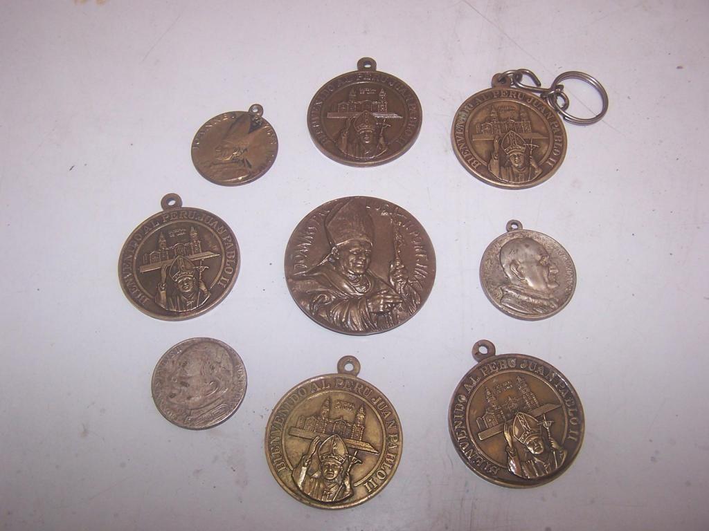 antigua medalla visita del papa al peru