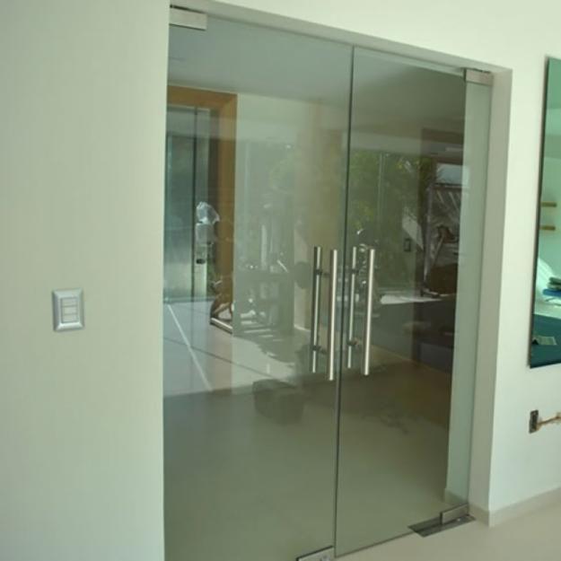 Puertas de vidrio templado S/.250