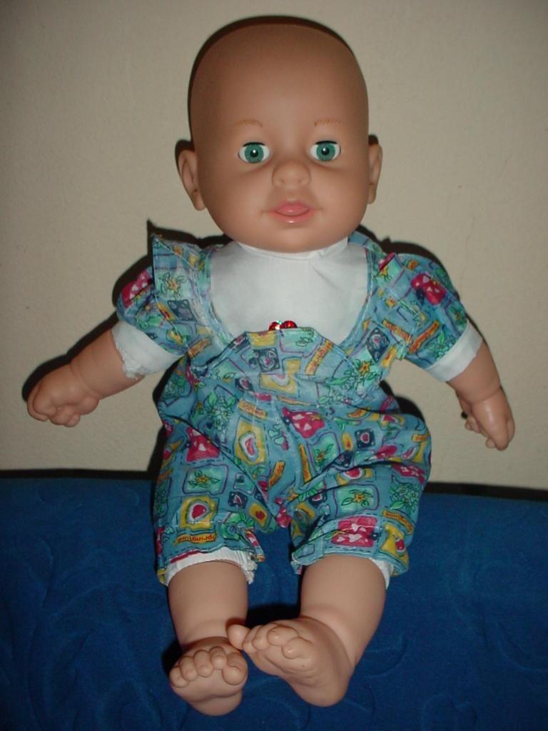 Hermosa muñeca de bebe