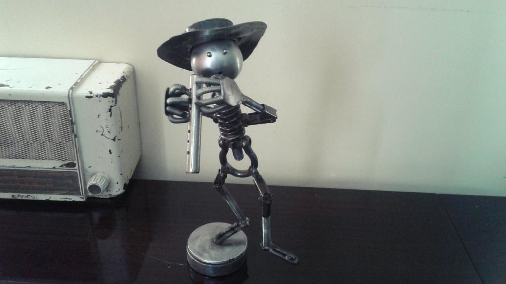"""Inusual escultura en metal """"Flautista"""" #vintage"""