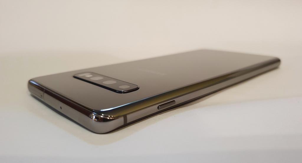 SAMSUNG GALAXY S10 PLUS, 128GB, 8GB RAM, 4 CÁMARAS, LIBRE,