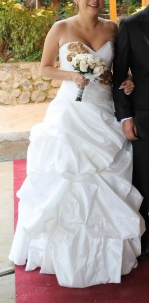 Vendo Vestido De Novia Color Ivory Talla Standard S/.