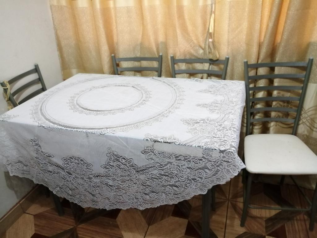 Mesa Comedor de Vidrio con 4 Sillas
