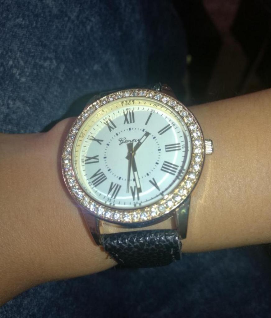 Reloj de Muñeca Moda Relieve