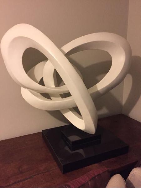 Escultura con Base de Granito