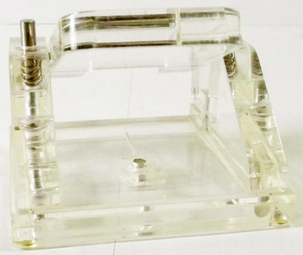 Perforador Standard Sólido de Acrílico Alemán, Marca