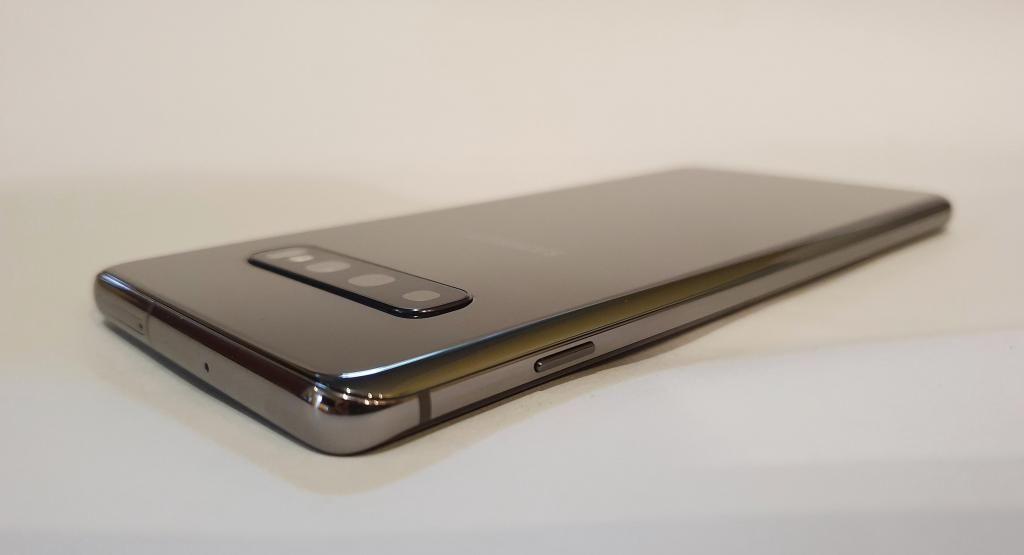 SAMSUNG GALAXY S10 PLUS, 8GB RAM, 128GB, 4 CÁMARAS, LIBRE,