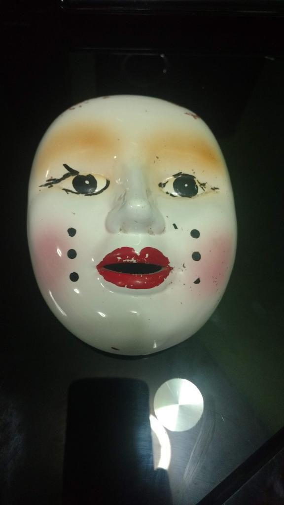Máscara de Porcelana antigua vintage