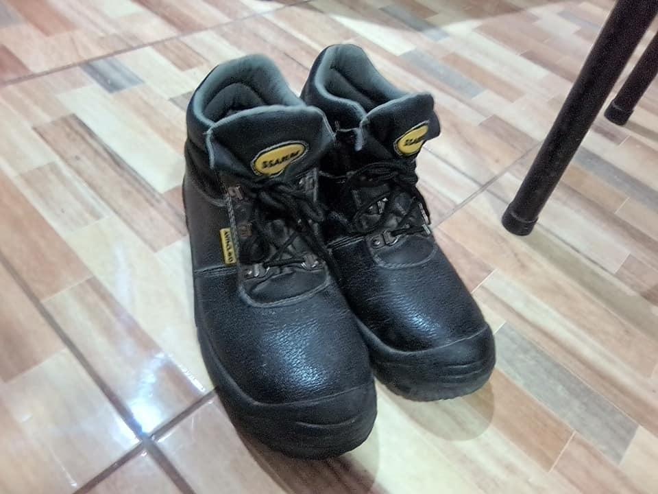 Zapatos de seguridad  mes de uso
