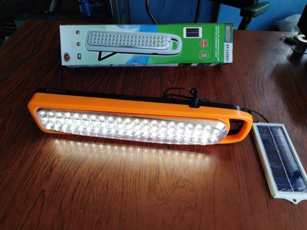 PODEROSA LAMPARA CON 62 FOCOS LED. PARA ILUMINAR DIFERENTES