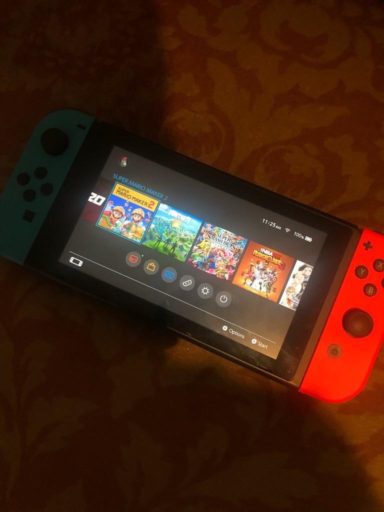 Nintendo Switch 1 Mes de Uso