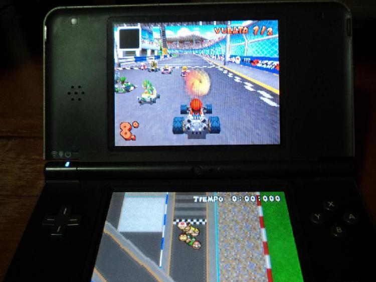 Nintendo Dsi XL con r4 con 200 juegos y cargador