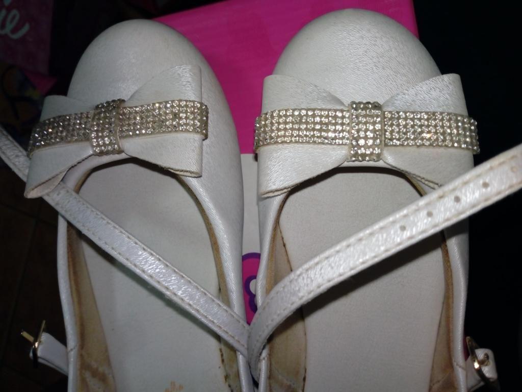 Se remata ballerinas con poco uso talla 31 marca pampili