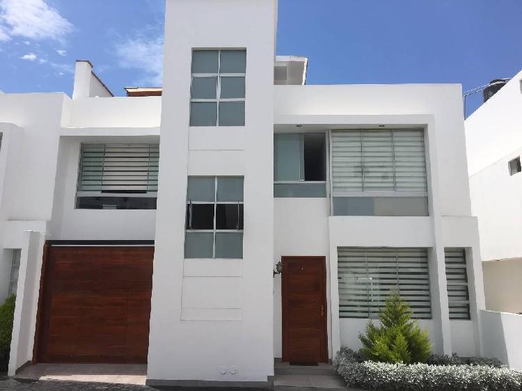 Casa en Venta Cerca de Larcomar, Excelente Oportunidad de