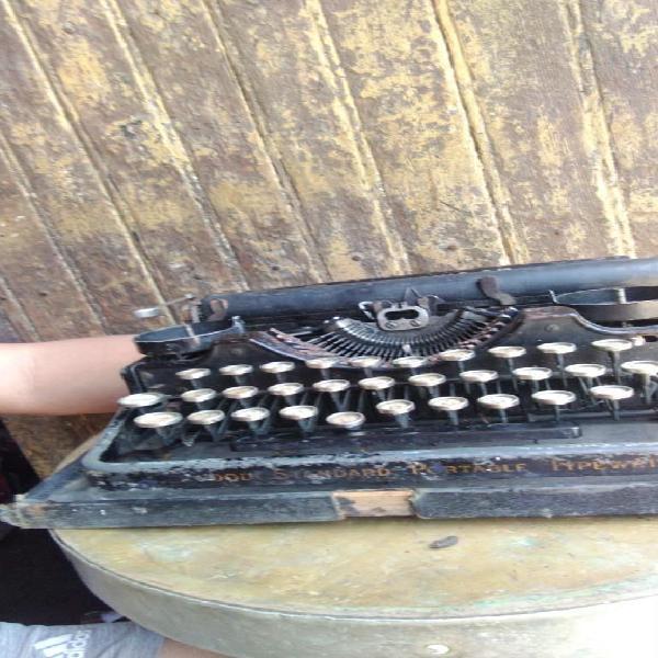 Antigua Máquina de Escribir Underwood.
