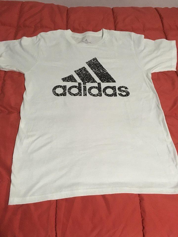 Polo Adidas Talla M traído de USA
