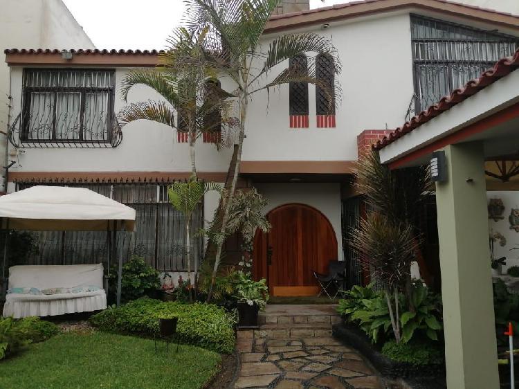 Vendo Casa en Surco, Urb. San Ignacio de Monterrico, 05 Dom.