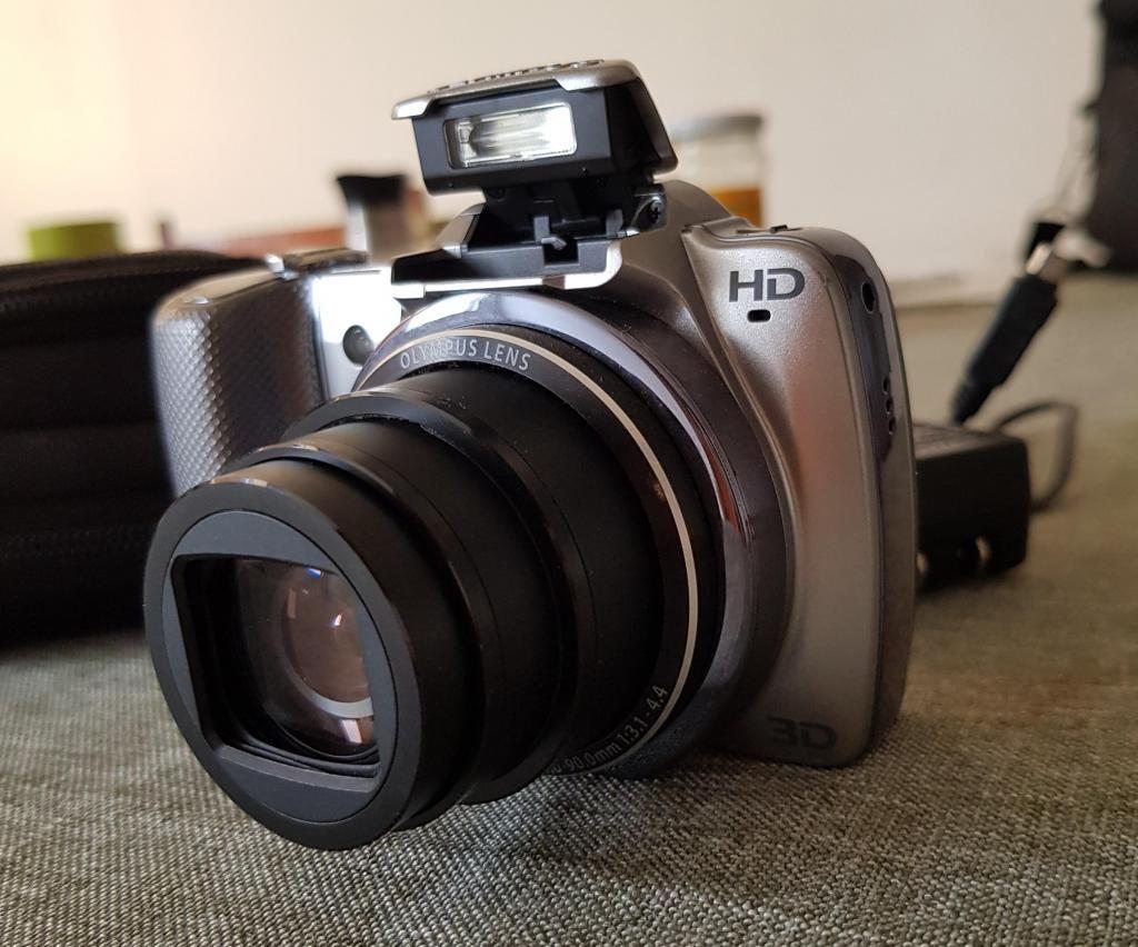 Cámara Fotográfica OLYMPUS SZ-10