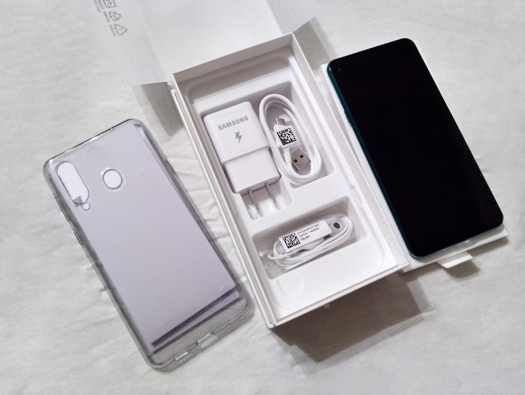 Vendo o Cambio Samsung Galaxy A8S Nuevo 6gb 128gb Nuevo