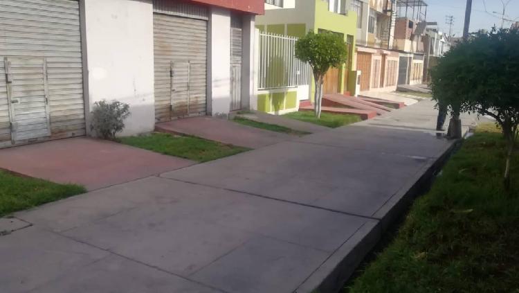 Se Vende Casa de Dos Pisos en Coop. Juventud Ferroviaria -