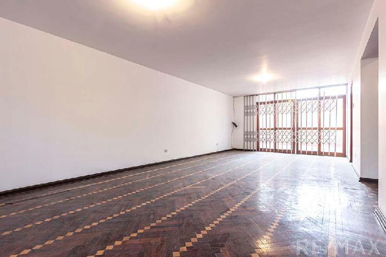 Se Vende Casa Comercial en Excelente Ubicacion en La Molina