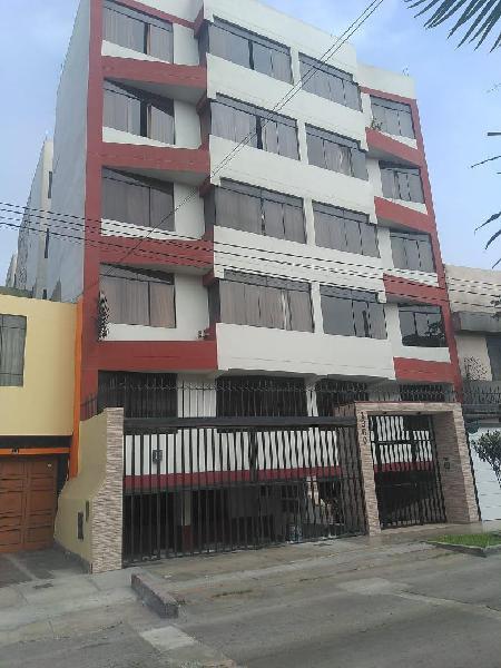 Alquiler Departamento Segundo Piso en Edificio de Estreno