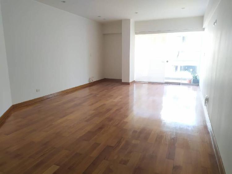 Alquiler de Departamento en Calle 31, Cerca Al Pentag. San