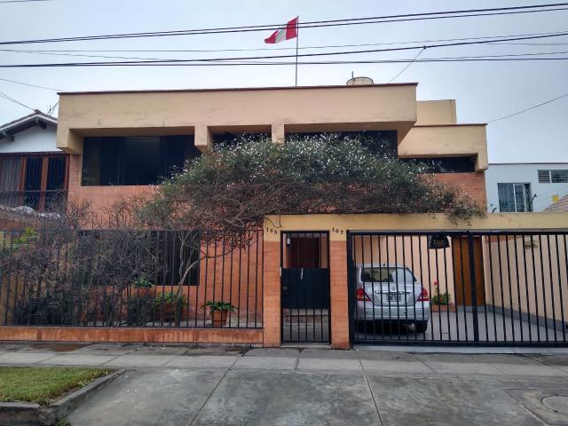 Id - - Venta de Hermosa Casa en San Borja