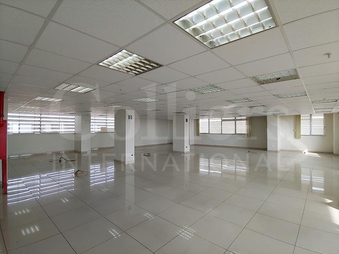 L - 378 Oficinas Semi - Implementadas en El Centro de Lima -