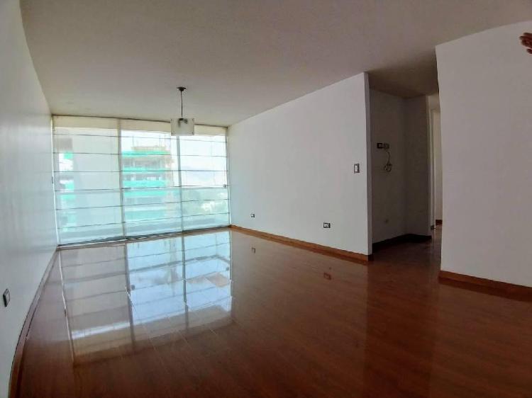 Vendo Departamento en Condominio Las Cumbres – La Molina