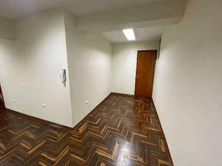 Alquilo Oficina en Av San Luis, San Borja S/.2,100