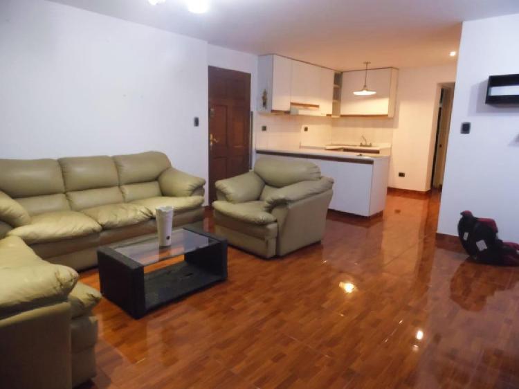 alquiler de Amplio Departamento en Av Lima Polo, Surco.