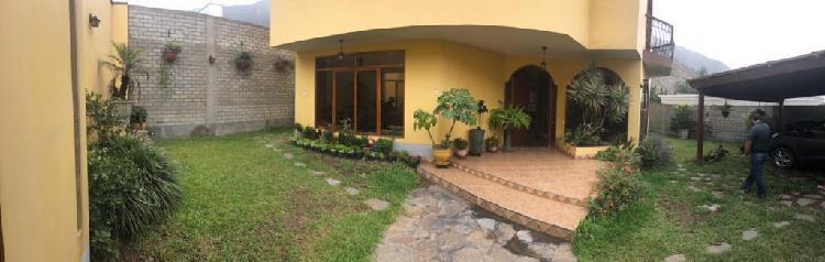 Venta de Hermosa Casa en La Planicie - La Molina