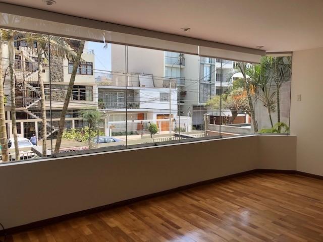 Alquilo Amplio Departamento en Calle Barranquina