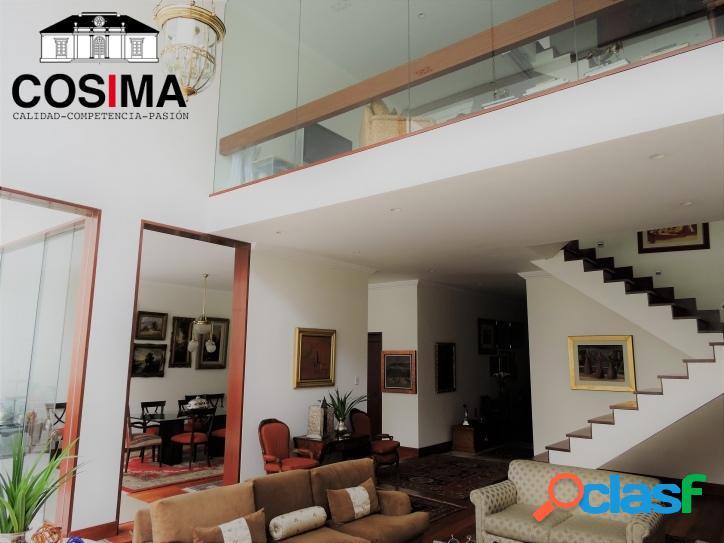 Moderna Casa Con Finos Acabados En Miraflores Lima