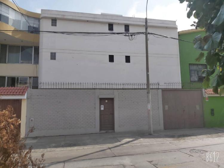 Vendo Inmueble de 278 m² de 03 Pisos, Jr. Jose Maria