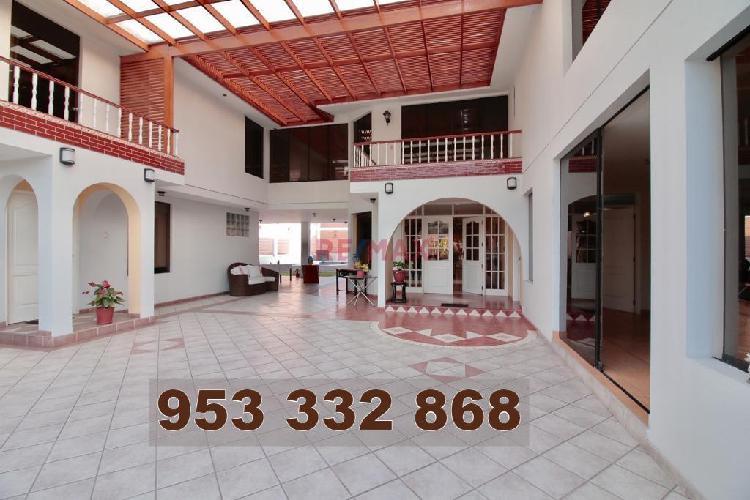 Exclusiva Casa en La Planicie, La Molina.